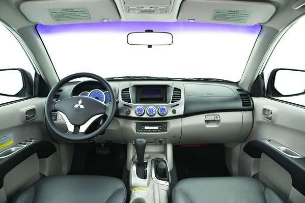 Mitsubishi L200-fotos