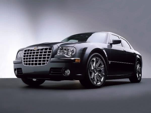ficha-tecnica-Chrysler-300 Chrysler 300 - Preço, Fotos 2019