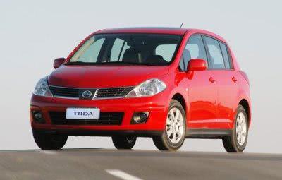 fotos-Nissan-Tiida