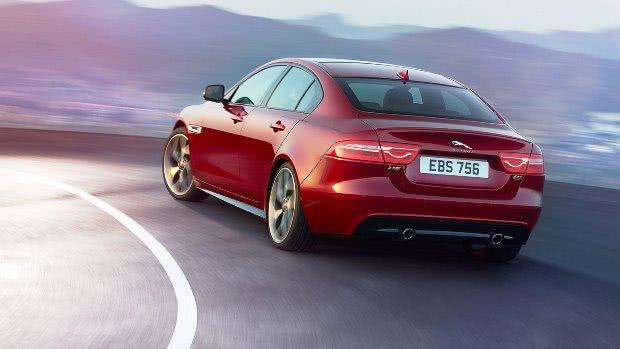 Jaguar XE versoes