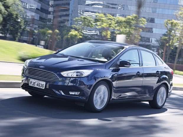 ficha tecnica Ford Focus Fastback