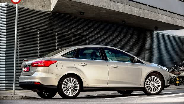 novo Ford Focus Fastback