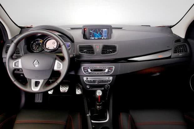 painel-Renault-Fluence-GT-Line Renault Fluence GT Line - Preço, Fotos 2019