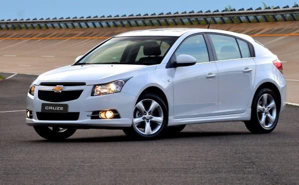 novo-chevrolet-cruze-fotos-e1458209976170 Novo Chevrolet Cruze - Preço, Consumo, Ficha Técnica 2019