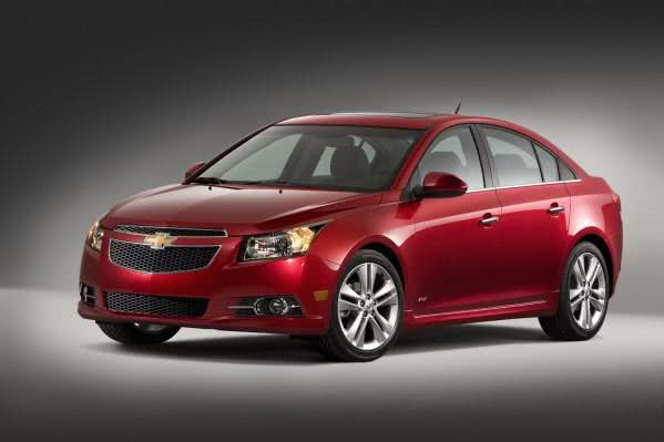 versoes-novo-chevrolet-cruze-e1458210005528 Novo Chevrolet Cruze - Preço, Consumo, Ficha Técnica 2019