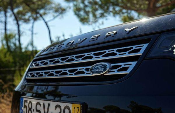 frente-land-rover-discovery-td6 Land Rover Discovery TD6 - Preço, Ficha Técnica, Versões, Consumo 2019