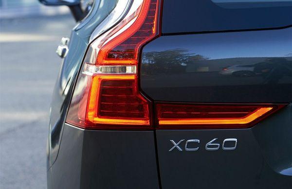 lanterna-volvo-xc60 Volvo XC60 - Preço, Ficha Técnica, Versões, Consumo 2019