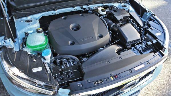 motor-volvo-xc40 Volvo XC40 - Preço, Ficha Técnica, Versões, Consumo 2019