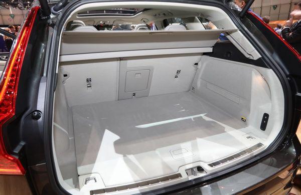 porta-malas-volvo-xc60 Volvo XC60 - Preço, Ficha Técnica, Versões, Consumo 2019
