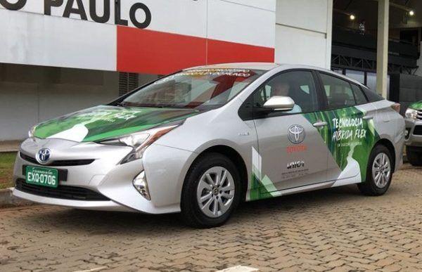 fotos-toyota-prius-flex-e1546380098345 Toyota Prius Flex - Preço, Fotos, Ficha Técnica 2019