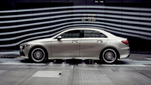versoes-classe-a-sedan-1-e1546380397934 Classe A Sedan - Preço, Fotos, Ficha Técnica 2019