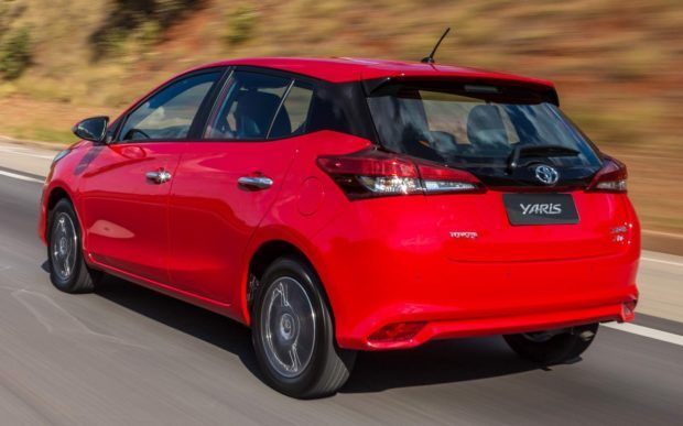 comprar-toyota-yaris-hatch-0km-e1549215896367 Novo Toyota Yaris Hatch 0km - Preço, Cores, Fotos 2019