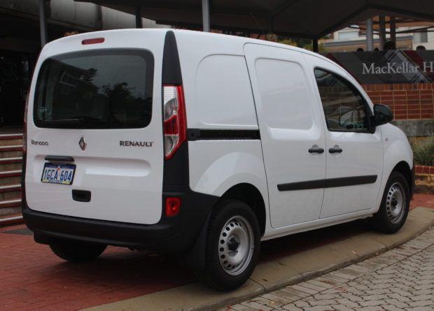 versoes-renault-rangoo-e1549221750319 Renault Kangoo - Preço, Fotos, Comprar 2019