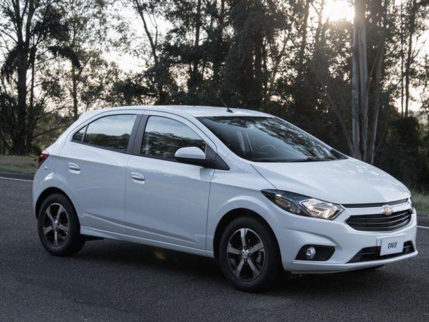 fotos-chevrolet-onix-ltz-1-e1553988515778 Chevrolet Onix LTZ - Preço, Fotos, Ficha Técnica 2019