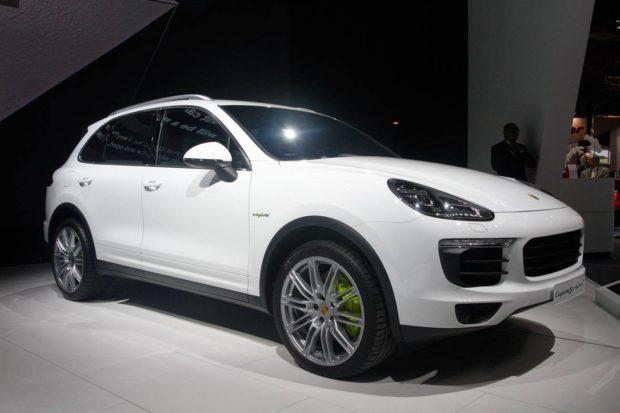 fotos-porsche-cayenne-hibrido-e1553813168165 Nova Porsche Cayenne híbrido - Preço, Fotos, Ficha Técnica 2019