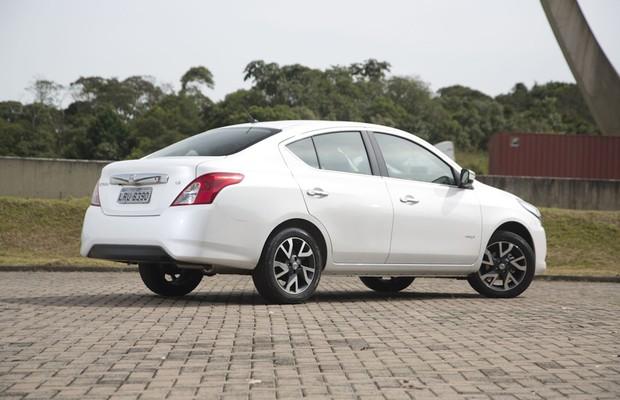 nissan-versa-fotos Nissan Versa - É bom? Defeitos, Problemas, Revisão 2019