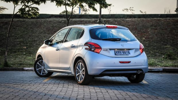 peugeot-208-pcd-versoes-1-e1553981064638 Peugeot 208 PCD - Preço, Desconto, Versões, Fotos 2019
