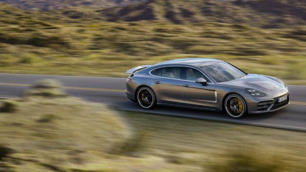 porsche-panamera-e-bom-e1553812374603 Nova Porsche Panamera - Preço, Fotos, Ficha Técnica 2019
