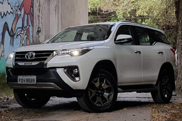 toyota-hilux-sw4-e1553456274773 Toyota Hilux SW4 PCD - Preço, Desconto, Versões, Fotos 2019