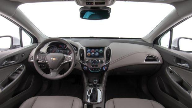 versoes-chevrolet-cruze-sd-pcd-e1553339627609 Chevrolet Cruze sd PCD - Preço, Desconto, Versões, Fotos 2019